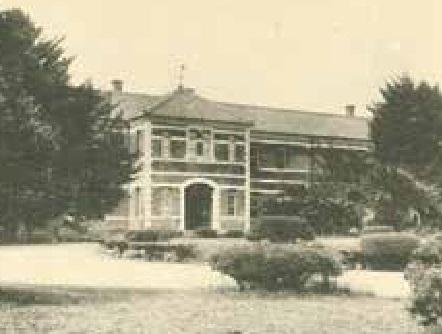 当時の第五高等学校本館