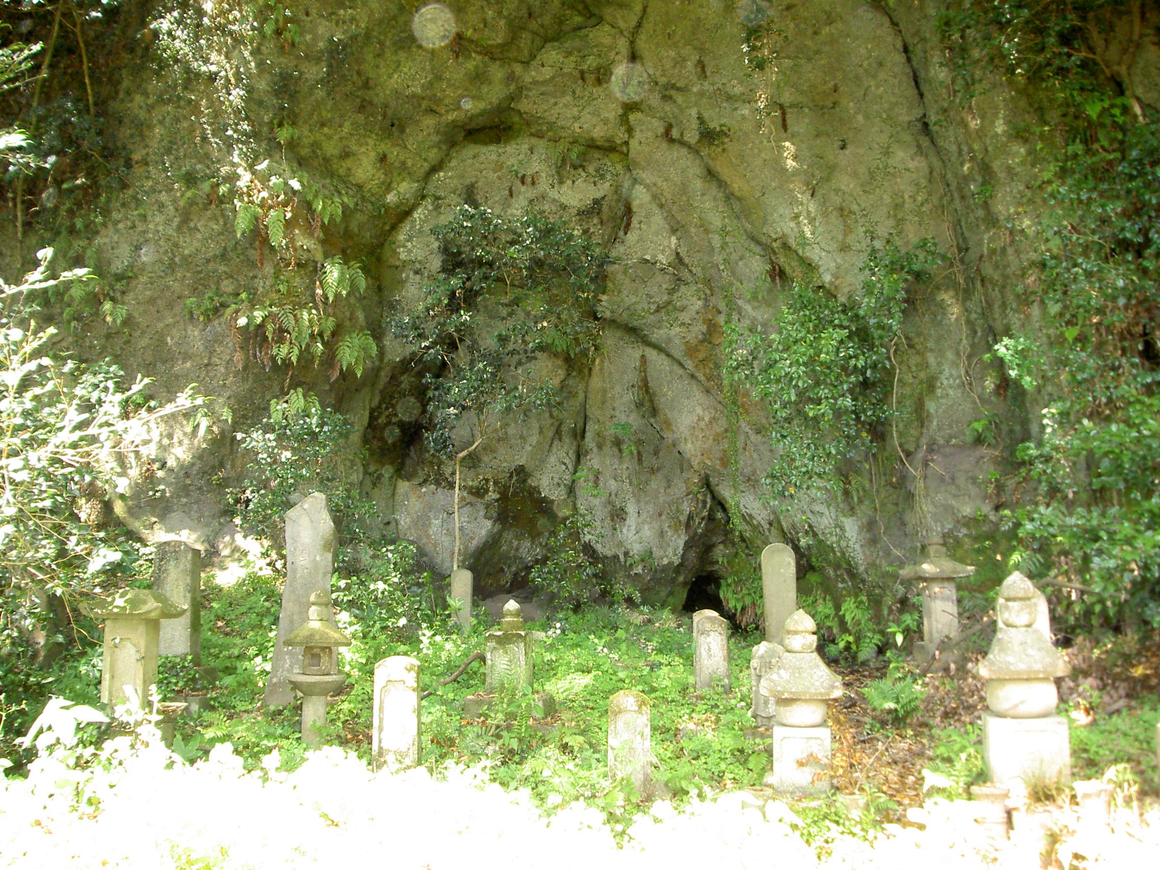 歴代住職墓と供養塔