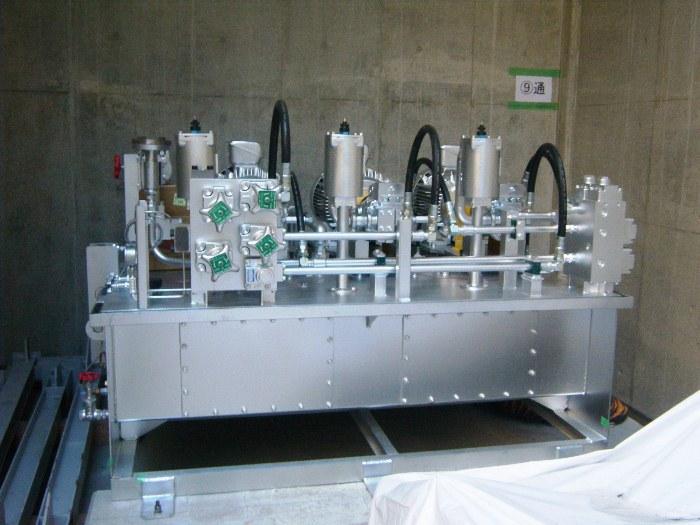 炉駆動用油圧装置