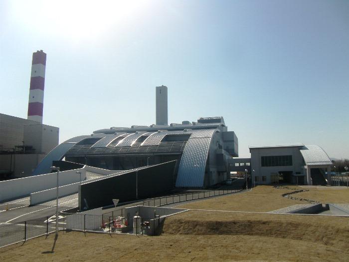 工場棟及び管理棟北側