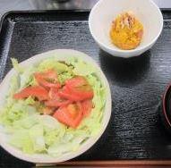 タコライス、かぼちゃのクリチサラダ、みそ汁