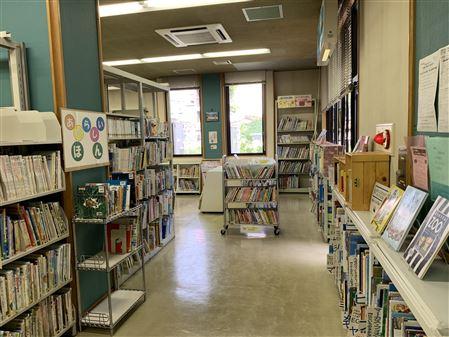図書室(内部)