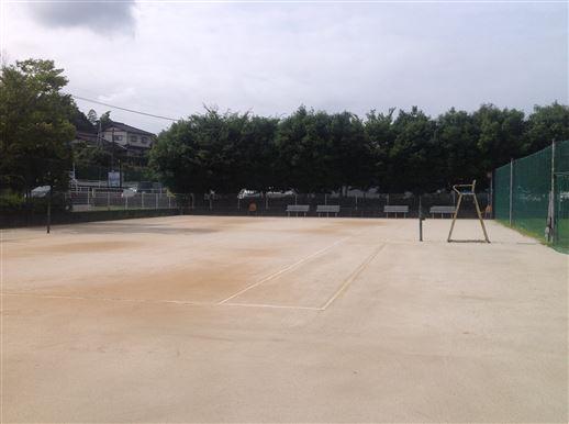清水公民館テニスコート全体の様子が写った画像